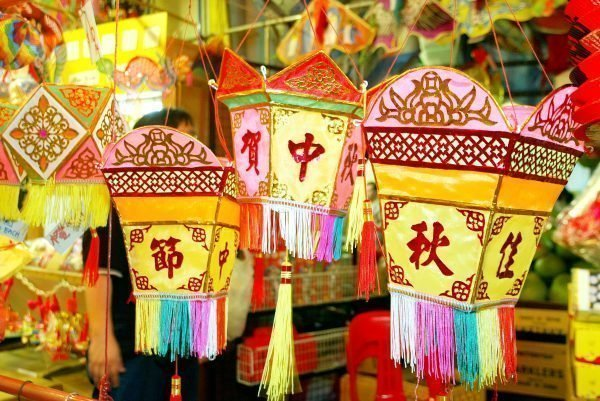 Colorful Chinese lamps in Singapore Chinatown night market