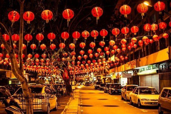 Street lamp decoration at Singapore's Chinatown