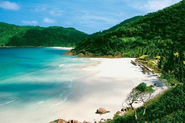 Aerial view of the stunning bay of Taaras Beach Resort in Redang Island