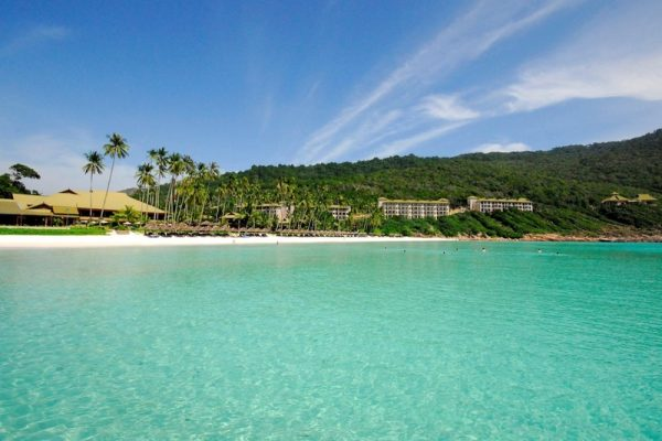 Stunning bay with Taaras Beach Resort in Redang Island