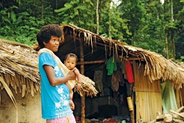 An aboriginal woman Orang Asli in the village in Taman Negara