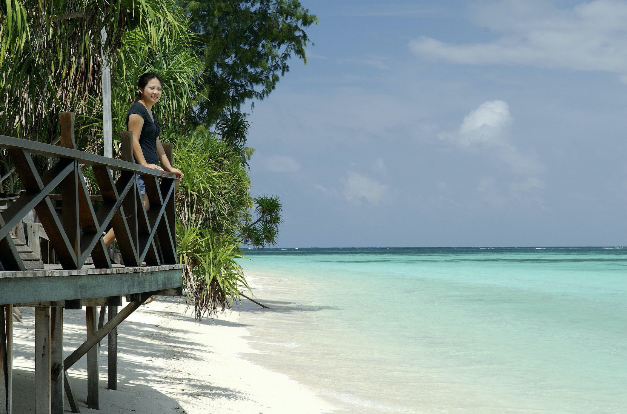 Sundeck overlooking the calm and turquoise water of Lankayan Island