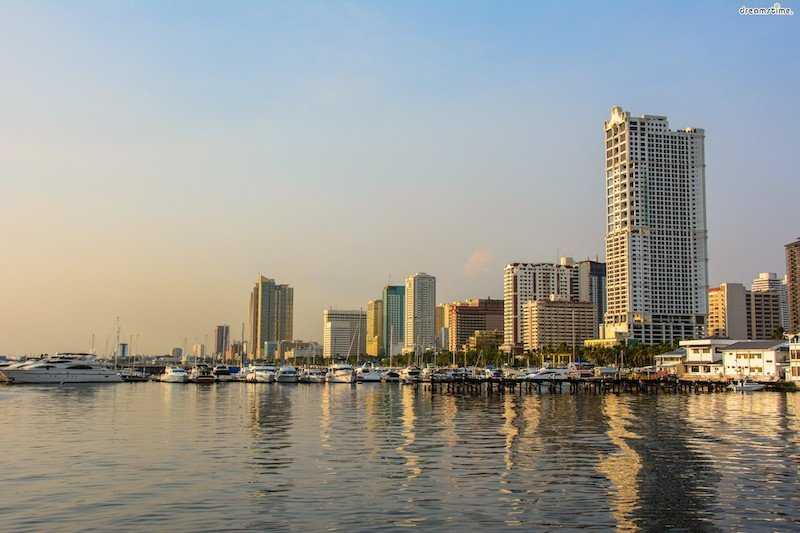 Panoramic view of Manila Bay at Sunset