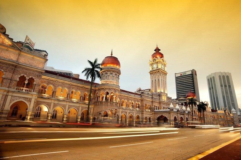 Night scenery of Kuala Lumpur's Sultan Abdul Samad Building
