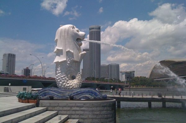 Merlion Statue is the highlights of Singapore