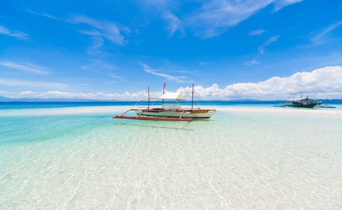 Cebu has a stunning mix of turquoise water and white sand beaches