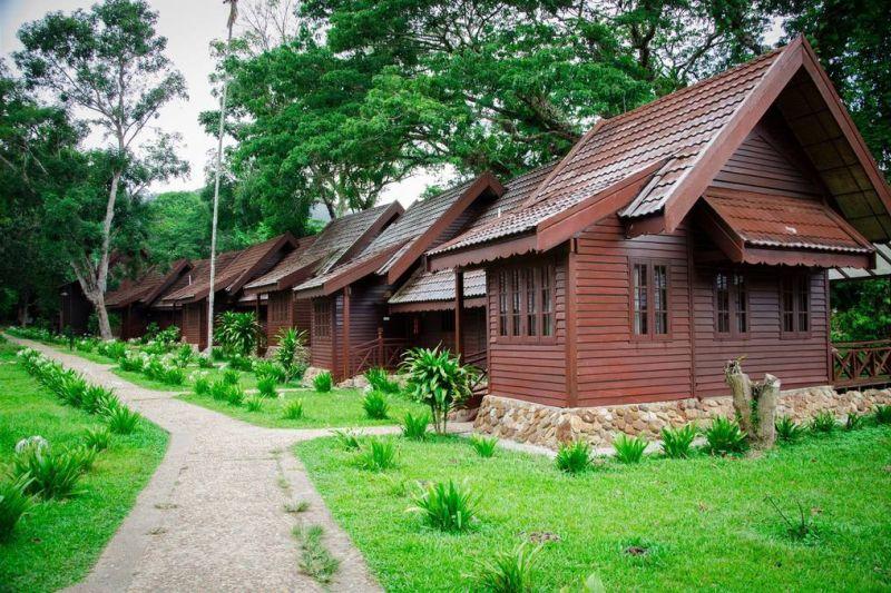 Wooden chalets at the Mutiara Taman Negara Resort